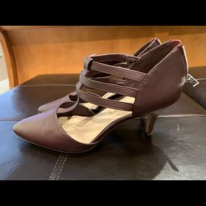 Sole Society Maroon Leather Kitten Heel Shoes